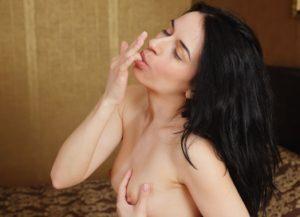Инливидуалка брюнетка для орального секса